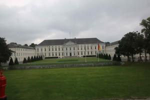 Das Bellvedere, wo die früheren Kanzler wohnten. Angela Merkel wohnt mit Ihrem Mann in einer Eigentumswohnung